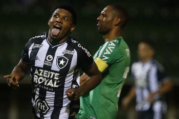 Botafogo vence na Arena Condá e rebaixa a Chape