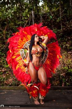 Dançarina do Flor Ribeirinha recebe convite para ser Musa Internacional do Folclore