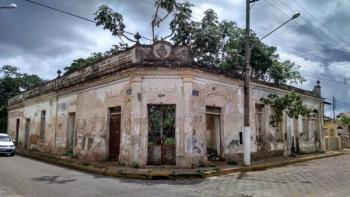 Prédios abandonados, MPE processa prefeitura