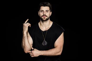 """""""Próximo Amor"""", novo hit de Alok e Luan Santana, já está disponível nas principais plataformas digitais"""