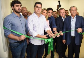 Prefeito entrega mais 90 leitos de enfermaria e parque tecnológico de imagens do HMC