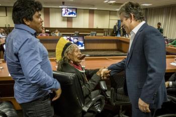 Governador recebe Cacique Raoni e afirma que momento é de respeitar a cultura