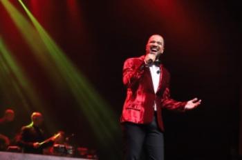 Só Pra Contrariar faz jus ao sucesso e lota shows em São Paulo e no Rio de Janeiro