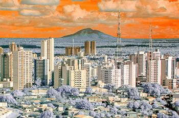 """Mostra coletiva """"Olhares Cuyaverá"""" exibe 300 pontos de vista sobre Cuiabá"""