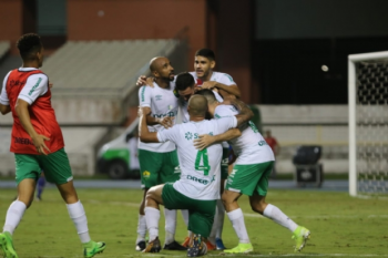 Cuiabá faz gol milagroso no fim, bate o Paysandu nos pênaltis e é campeão da Copa Verde