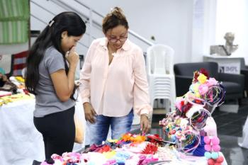 Saguão da Assembleia Legislativa recebe feira de artesanato e gastronomia