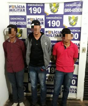 Polícia prende três com drogas e arma em Jangada