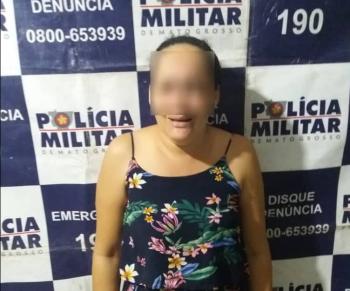 Mulher com mandado de prisão em aberto é presa pela PM em Nobres