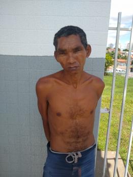 Homem é preso em flagrante após esfaquear cunhado