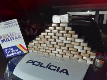 Policiais interceptam caminhonete e encontram 68 tabletes de pasta base de cocaína