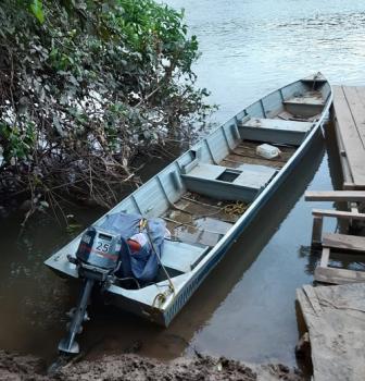 Policiais civis  prendem dois irmãos por roubo de barco em Rosário Oeste