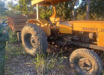 Batalhão Ambiental prende homem  em flagrante por  extração ilegal de madeira