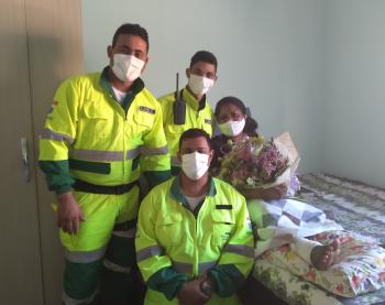 Socorristas reencontram professora resgatada na rodovia dos Imigrantes