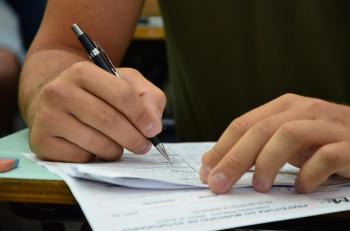 Prefeituras oferecem vagas com salários de até R$ 10 mil