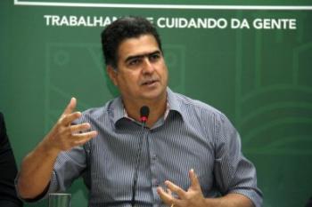 Emanuel diz respeitar decisão do Mauro, mas mantém isolamento em Cuiabá