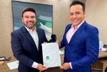 Apresentador fecha com TV Cidade Verde e deixa Record Lucas Ferraz comandará programa que fez sucesso com Walter Rabello
