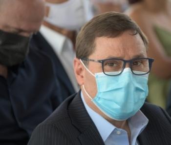 Mauro Carvalho diz que falta experiência a Emanuelzinho e que Prefeitura é responsável por vacinação