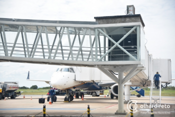 Sob chuva, avião que saiu de Cuiabá arremete três vezes, muda destino e causa pânico
