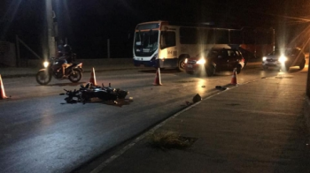 Motociclista morre ao bater de frente com ônibus em Várzea Grande
