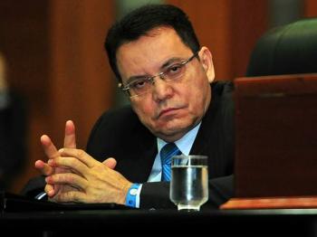 Já está começando errado>, diz Botelho em resposta à declaração de Abílio
