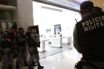 Bope faz treinamento com simulação de roubo com reféns em loja de shopping