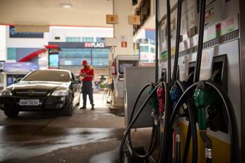 Preço do etanol dispara e chega a R$ 4,39 em Cuiabá; este é o 13º reajuste em 2021