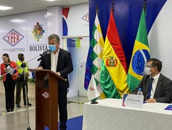 Governo de MT assina contrato com empresa boliviana para fornecimento de gás natural por 10 anos