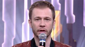 Tiago Leifert vai apresentar Domingão durante internação de Faustão