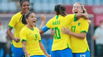 Marta faz dois, e Brasil goleia a China na estreia das Olimpíadas de Tóquio