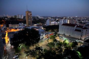 Prefeito altera horário do toque de recolher e prorroga período de medidas restritivas contra a Covid-19 em Cuiabá