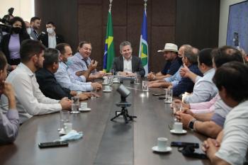 """""""Asfalto na MT-448 vai encurtar em 200 km a distância até Cuiabá"""", afirmam prefeitos"""