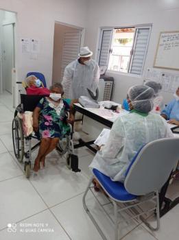 Secretaria Municipal de Saúde garante assistência aos idosos que testaram positivo para Covid-19 no Abrigo Bom Jesus de Cuiabá