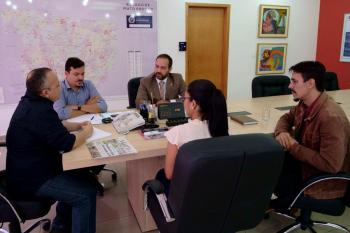 Parceria entre Governo e Ministério Público possibilita reformas em escolas de Chapada dos Guimarães.
