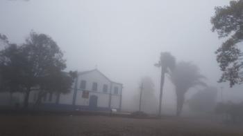 Queda na temperatura faz  neblina invadir  Chapada dos Guimarães