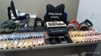 Polícias Civil e Militar prendem casal de traficante em São José do Rio Claro