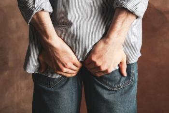 Parlamentar e assessor dão entrada em hospital com laceração anal após festinha sexual