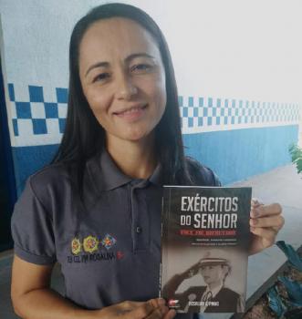 Tenente-coronel da PM lança livro sobre obediência, disciplina e equilíbrio
