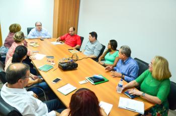 Secretário de Saúde reúne equipe técnica para atualizar e rever estratégias preventivas ao surgimento de casos do novo coronavírus