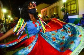 Mulheres do Samba se apresentam no Beco do Candeeiro nesta sexta