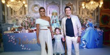 Valentina,completou 3 anos e ganhou uma festa de princesa