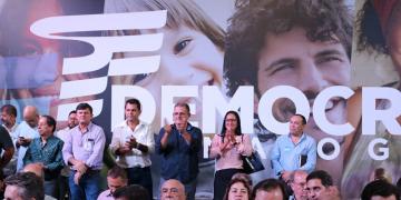 Vereadores Zilmai  e Nilsinho  participam  de ato de filiação de Mauro Mendes em Cuiabá; veja imagens