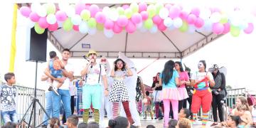 Imagens de festa em comemoração ao Dia das Crianças em Nobres
