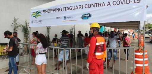 SHOPPING ITAGUARI MONTA ESTRUTURA COM O OBJETIVO DE EVITAR AGLOMERAÇÕES EM FILAS DE BANCO
