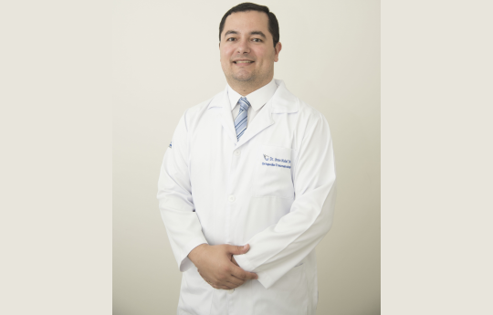 Dr.Breno Diniz Nadaf CRM-MT 6112 RQE 3378 Ortopedia e Traumatologia.