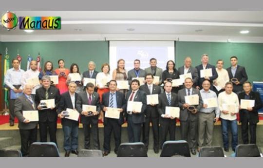 Conselho Regional de Administração, entrega  Medalha de Honra ao Mérito aos Administradores