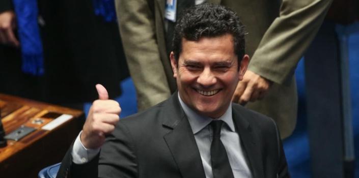 Moro aceitou convite para ser ministro da Justiça de Bolsonaro, diz assessor do presidente eleito