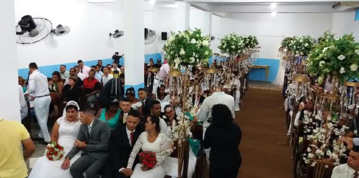 Reeducandos celebram união civil e religiosa durante casamento coletivo