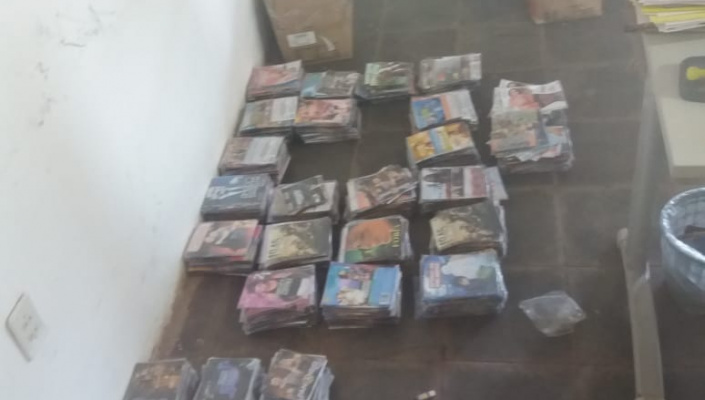 Homem é preso vendendo CDs piratas em Jangada