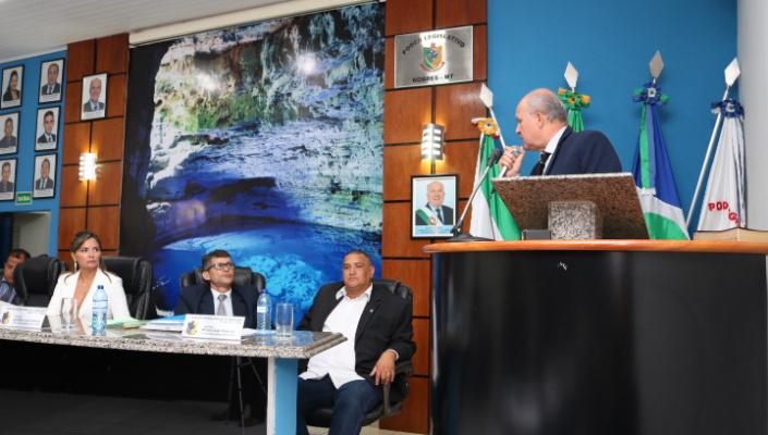 André promete austeridade e transparência na abertura dos trabalhos legislativos