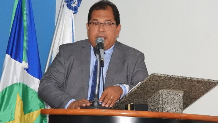 Vereador Oscar faz homenagem ao Dia do Professor